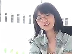 Asian girl Asia Zo gives nice handjob and blowjob