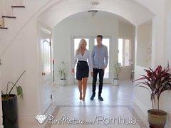 PureMature peituda imobiliário de MILF Nina Elle fode potencial comprador
