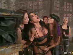 Femelles Sauvage de Celeste Star et Brianna en Jordanie haute définition lezdom pornographie