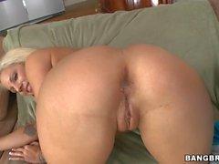 Stud is having pleasure engulfing babes butt gap