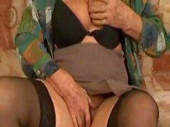 Old Granny Norma Ainda Foder