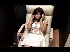 Alluring Oriental babe has a vibrator bringing her snatch t