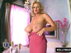 KELLY MADISON - Pink and Wet In the Bath with Toys