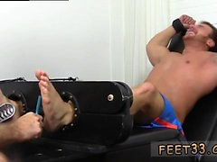 Pic suck toes boy gay Wrestler Frey Finally Tickled