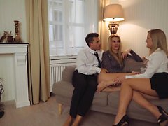 LOS CONSOLADORES - FFM threesome with sexy European babes