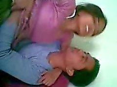 Namorada indiana nova do e sua namorada caseira