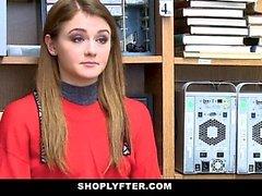 ShopLyfter - Teen Thief körd av säkerhetsvakt
