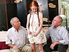 Ginger petite teen sucer indésirable Oldmans