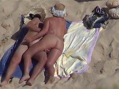 Matchande Hat Beach Couple.avi