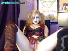Goth Webcam Girl Cums With Vibrator