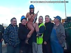 naked_in_public_sarah_binyard