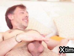 неприятный итальянского брюнетка анальный оргазма