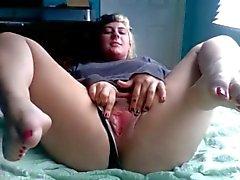 Chubby ex-vriendin met mooie tenen masturberen haar Pussy