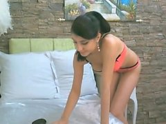 Sexy cam girl fingering her pussy