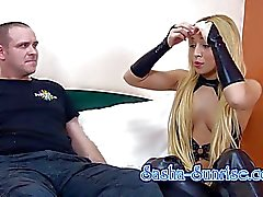 Sasha- Sunrise - Min erster Sklave - Facesitting , Strapon de uvm