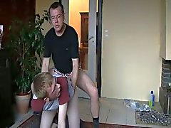 Niño vecino capturados con consolador culo