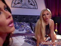 Blonde Babe Nikki Benz Plays With Busty Jessica Jaymes!