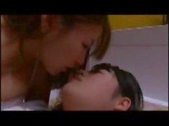 Japanischen Büro mates bei einem Drink zusammen und dann haben einige lesbische SESX