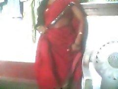 индийских тетеньки три