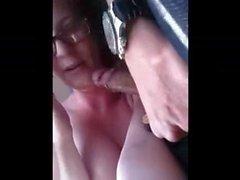 girl blows bf in car