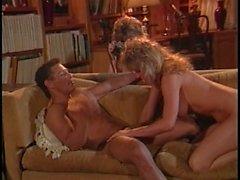 Classic 80&#039_s ffm threesome