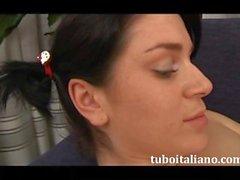 L'amore di una figlia infoiata Italian Amatur