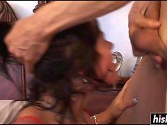 Hermosa nena tetona se domina durante el sexo