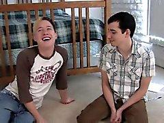 röret könsbestämma kysser kille först tiden Chris såg på Seths fetts