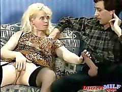 Pasaklı Almanya Seksi anneler eşek becerdin
