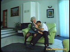грудастой мама необходима сильная член