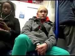 Женские ознакомьтесь с парни промежностной выпуклости о поезд