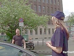 Deutsche 18yr Politesse laesst sich outdoor Ficken