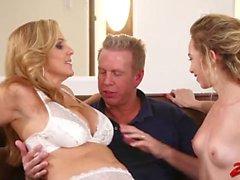 Julia Ann Angel Smalls Sexy Threesome