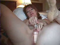 Horny milf diverts herself with dildo