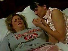 MILF en Mature Lesbians 2