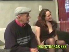 Su hija le lleva una prostituta - incestuosas