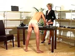 Büyüleyici Lady Sonia bir kez daha bir köle yetiştirmek.