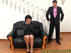 Golden showering ho rides