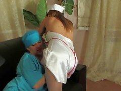Médecin lesbienne russe la et l'infirmière