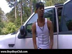 Big muskulösen schwarzen Homosexuell Jungen erniedrigen weiß Burschen Sex 29.