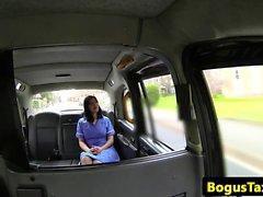 Infirmier réel baise sur taxi collectif caméra de sécurité