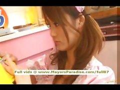 Risa Tsukino masum Çinli esmer kız oral seks