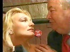 FRENCH CASTING 11c blonde babe fuck dildo and fist