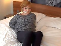 Teen Vixen, saldırgan tarafından bağlanmış ve mırıldandı