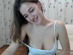 подросток alanawolf мигающих сиськами на живой веб-камера