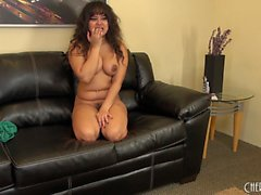 Sexy Latina Annie Cruz plays with her cootch and poses on live cam
