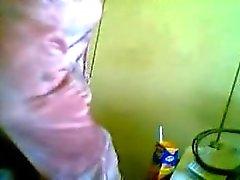 Jeune fille chaude baisée par un vieux médecin