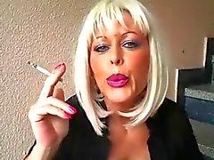 Rauchende Frauen Videos