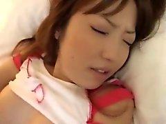 Беременная Азии Hottie делая собачьи