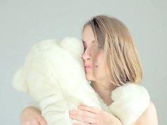 Sexiga blondin kela her Nallebjörnen